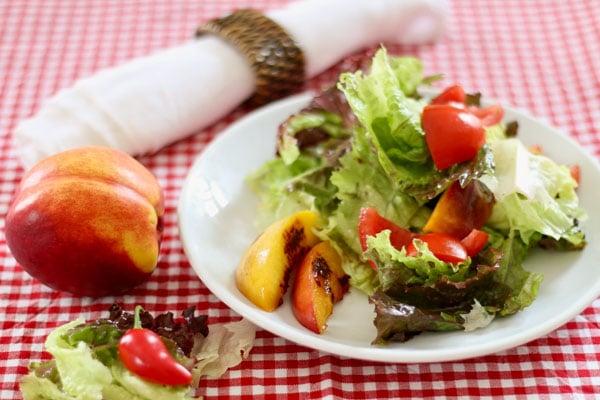 Livefit-Rezept: Salat mit gegrillten Nektarinen