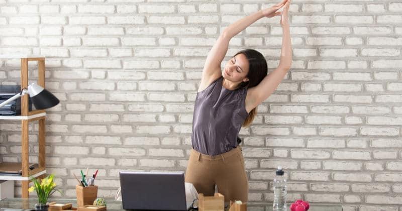 Gesunder Rücken: 3 Tipps für mehr Aktivität während dem Arbeitstag
