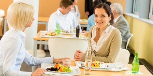 7 Tipps für gesundes Mittagessen im Büro