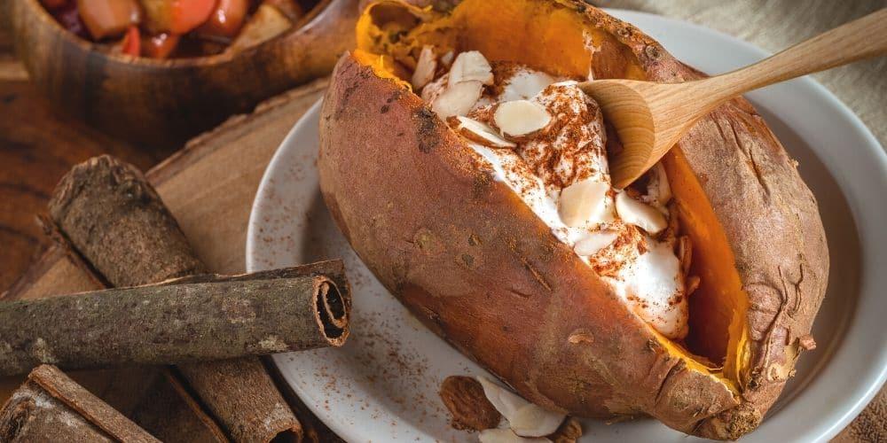 Süßkartoffel Frühstück / Frühstücks-Smoothie und andere gesunde 10-Minuten-Rezepte zum Fitbleiben