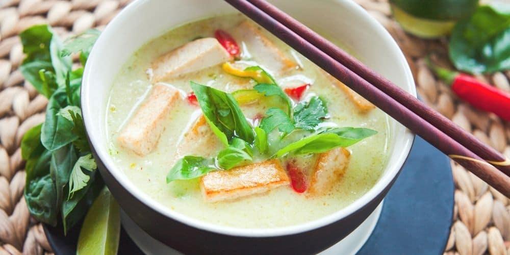 Thai Veggie Curry / Frühstücks-Smoothie und andere gesunde 10-Minuten-Rezepte zum Fitbleiben