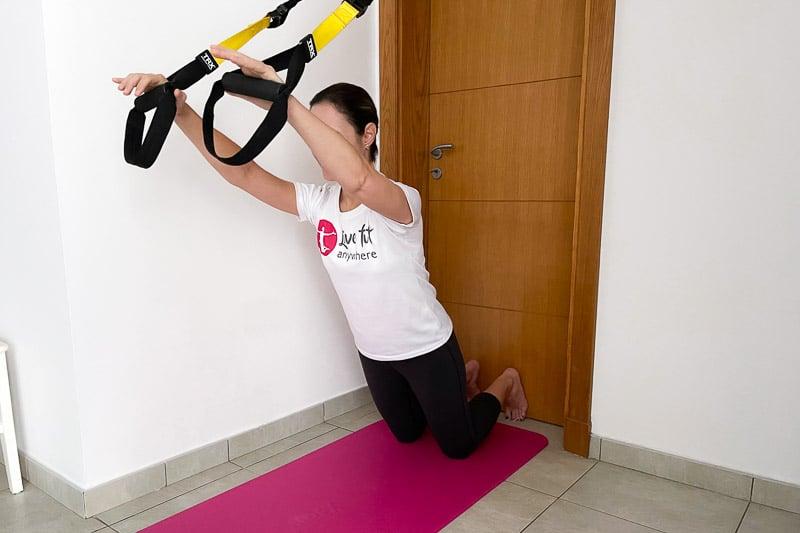 beste Sling Trainer Bauchübung - Rollout