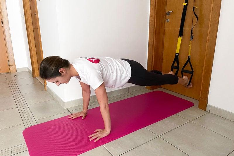 beste Sling Trainer Bauchübung - Handplank